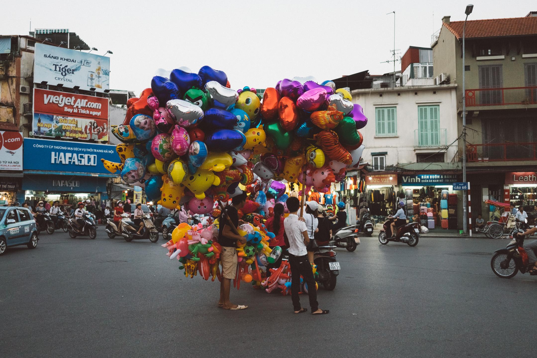 Balloons in Hanoi