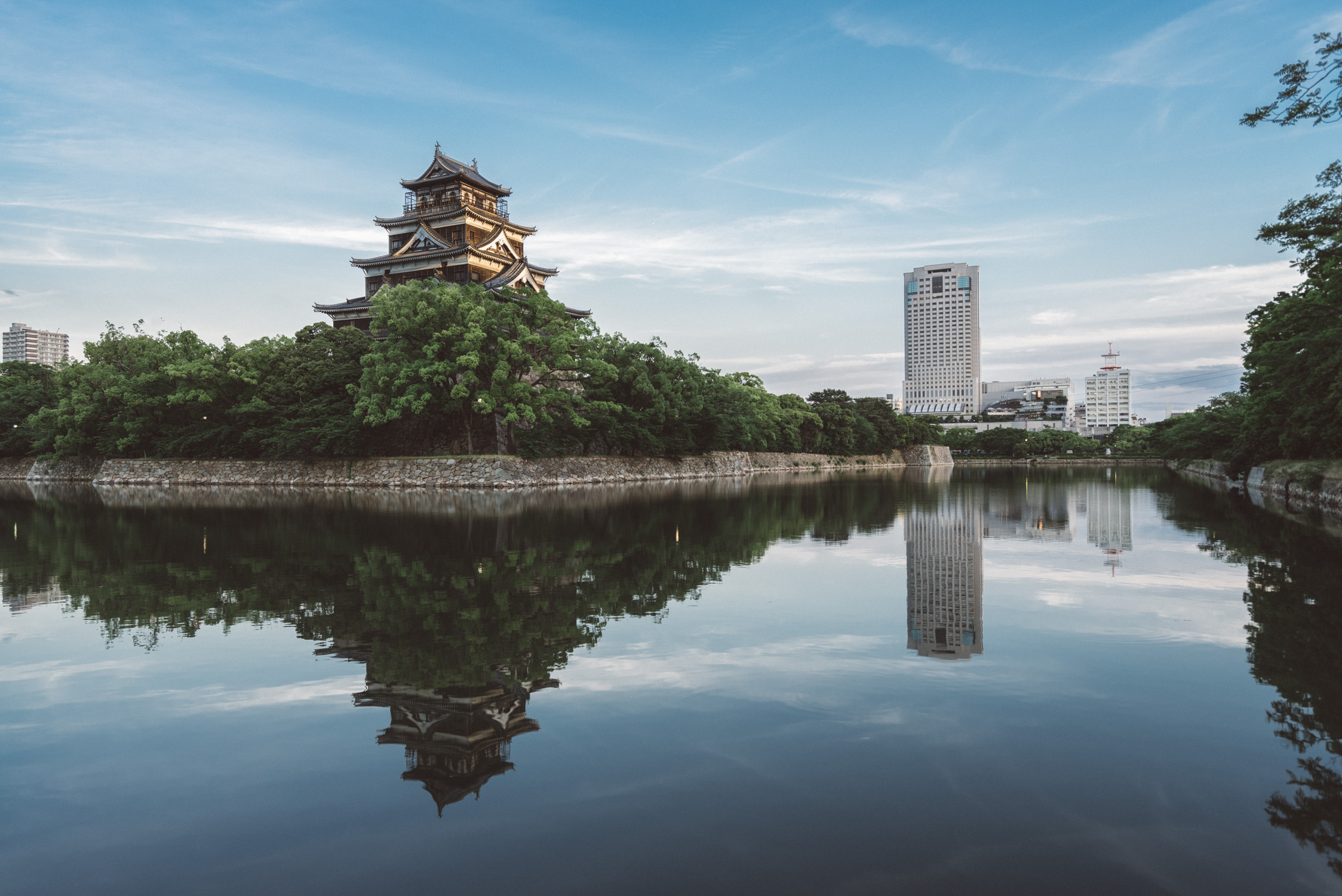 hiroshima castle reflexion [David Tan]