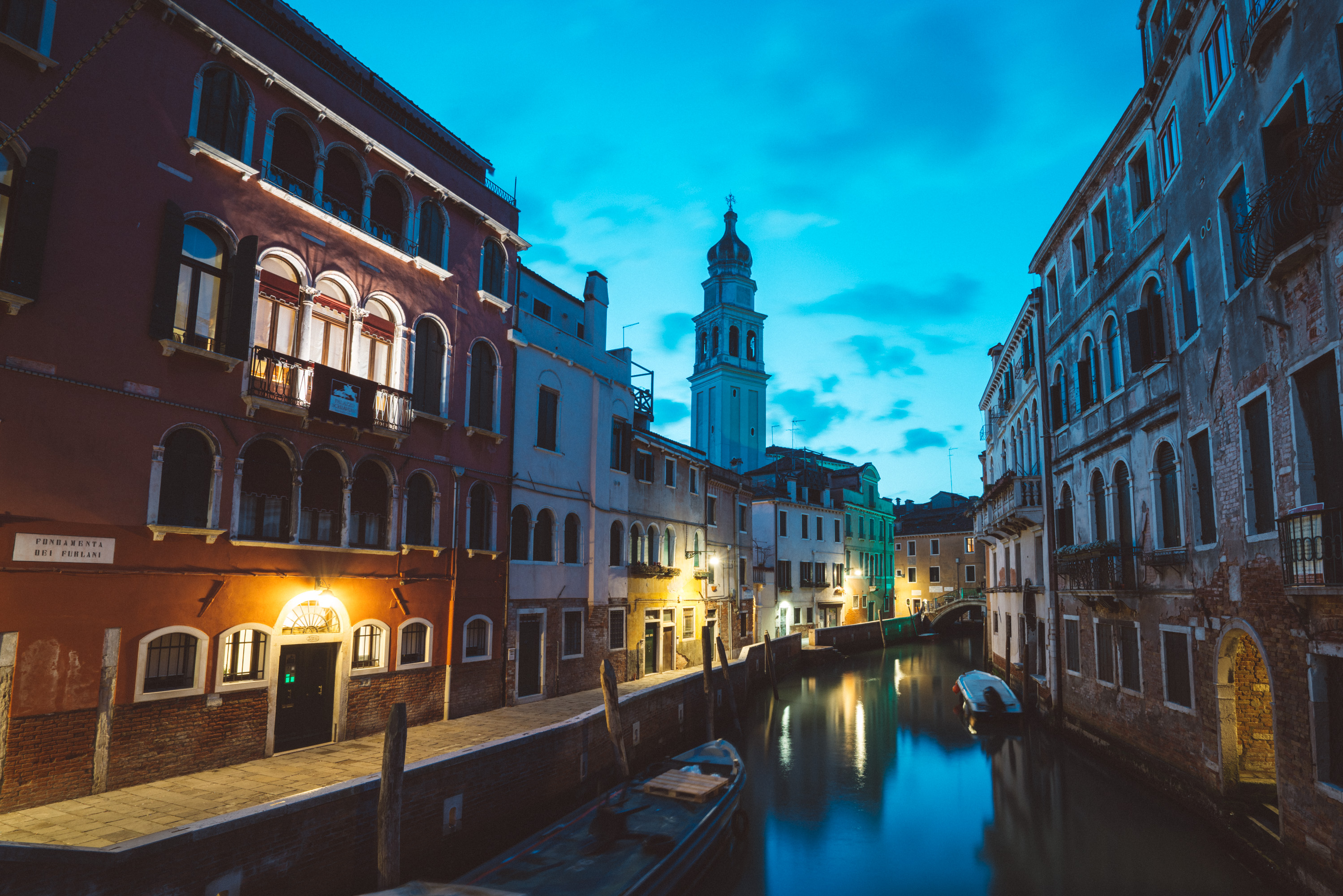 Dawn in Venice Canal [David Tan]